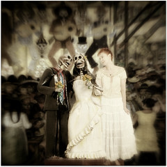 080/366  année 2   [explore] (♥beryl) Tags: wedding selfportrait texture me photoshop square couple celebration sp diadelosmuertos 365 skeletons maidofhonor squarecrop minime selfie weddingcouple skeletonbride radlab nikond90 skeletongroom silverfx joessistah