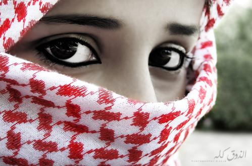 إذا خانتك [الرجولهـ ] سآعة الخوف .. لبسني [شماغك] وأبشر بعزك ..~