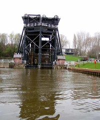 Anderton Boat Lift 'full on' (DizDiz) Tags: canal cheshire lifebuoy anderton metalstructure visitorcentre trentmerseycanal riverweaver olympusc720uz