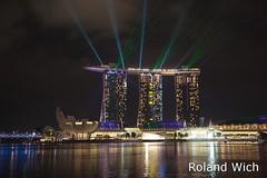 Singapore - Marina Bay Sands Light Show (Rolandito.) Tags: show light water night marina spectacular lights hotel bay singapore asia south casino east laser southeast sands singapur
