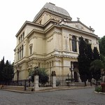 "Rome Synagogue <a style=""margin-left:10px; font-size:0.8em;"" href=""http://www.flickr.com/photos/14315427@N00/7315502010/"" target=""_blank"">@flickr</a>"