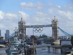 Olympic rings on Tower Bridge overlooking the ...