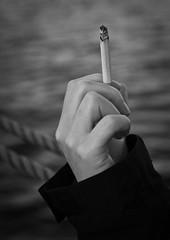 Delicious? (Frank Lindecke) Tags: water wasser hand cigarette kiel zigaretten zigarette