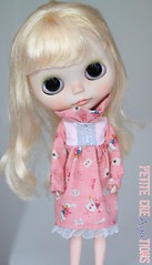 (Aya_27) Tags: pink white marina doll dress lace sewing w mama handsewn mywork blythe custom hybrid petite aliceinwonderland sleeves ruffle dollie scalp rbl pupe inhand dressbyme vainilladolly mamascalp creayations