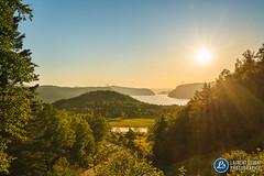 l'Anse-de-Roche et le Fjord du Saguenay (Laurent Silvani) Tags: laurentsilvani paysage du qubec paysageduqubec nature coucherdesoleil fjorddusaguenay fjord sacrcoeur saguenay ansederoche paysagedelactenord