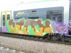 stasera ogni sera (en-ri) Tags: guth gelos gelo crew train torino writing verde marrone lilla graffiti