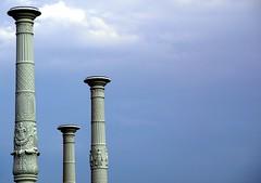 the 3 Pillars (pe.pero) Tags: pillar sule