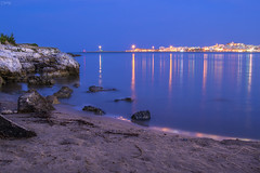 Ora blu viestana (Emykla) Tags: vieste gargano italia italy nikon d3100 blue blu ora hour sera evening night notte luci lights flickr foto photo puglia meridione sud south mare sea acqua water teal