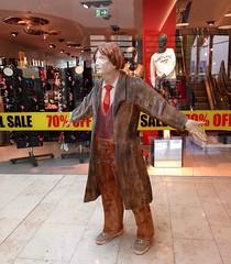 Sale (stefan aigner) Tags: austria ausverkauf europa europe oesterreich osterreich sale schwaz statue tirol tyrol
