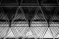 Geometric ceiling (manolosavi) Tags: sony alpha a7 a7ii blackandwhite bw triangles ceiling contrast light