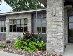 Chilton Country Squire (Buechel Stone) Tags: naturalstone buildingstone stoneveneer thinveneer fullveneer stone buechelstone stoneexterior stonemasonry stoneveneerexterior exteriorstoneveneer stoneandbrick municipal