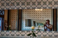 [Explore #186] Inception (Froschknig Photos) Tags: inception strudelhof magdeburg cafe spiegel mirror nex5r flektogon zeiss rose blume flower ich me infinity unendlich explore