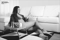 Laura (Roberto Donadello) Tags: laura girl bw bianco nero bianconero e blackwhite black white room letto stanza mora
