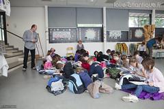 lartprendlair2012-7 (Loire-Atlantique) Tags: france btiments loireatlantique saintjeandeboiseau ecolepublique lartprendlair rgisbrogard