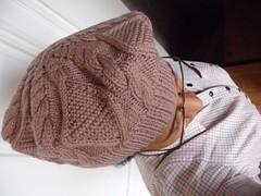 C'est le pompom (la Ezwa) Tags: selfportrait wool hat shirt nose glasses tricot knitting autoportrait handmade cable biracial bonnet nez lunettes laine métis chemise béret 2011 mulatto faitmain torsade afroeuropean mulâtre ezwa