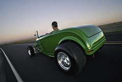 32RoadsterCruisin (Lunchbox PhotoWorks) Tags: new motion west green classic ford 1932 john t mexico volcano movement model nikon angle muscle cleveland wide albuquerque super tokina american rig abq hotrod d200 lunchbox nm mesa rolling v8 deere 505 1224 roadster 351 575 photoworks duece