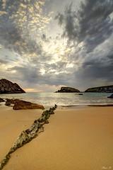 Playa de Covachos (Alaia A.) Tags: espaa costa mar spain agua nikon sigma playa arena amanecer cielo nubes rocas cantabria quebrada liencres covachos costaquebrada playadecovachos d3100 nikond3100 sigma102035exdchsm