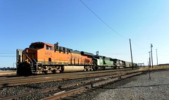 BNSF Eastbound Hopper Train (Slider Jake) Tags: ns si bn ge bnsf hoppers 6690 napast es44c4