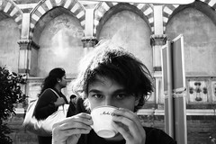 dolce U (Maieutica) Tags: sun cup eyes hands friend day afternoon tea drink sweet mani occhi sguardo dolce tuscany firenze toscana sole dolcezza tazza florenze amico giorno bere tè pomeriggio