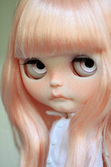 Tiina (Aya_27) Tags: pink stella white shirt by sewing mama handpainted handsewn mywork blythe savannah custom natt scalp inhand eyechips matryoshkamaiden shirtbyme tiinajusttiina petitecreayations