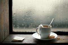 Tears falling (Luiz L.) Tags: stilllife tea luizlaercio