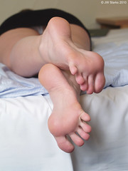 20101017 (FBY1K) Tags: 2010 october feet foot soles footfetish feetfetish toes arches 39 85