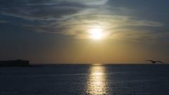 Entre nubes (Jos Varela) Tags: panasonic paisaje atardecer contraluz zuiko 45mm gx7 cdiz mar