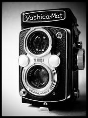 Yashica-Mat (frankvanroon) Tags: yashica yashinon yashicamat camera vintage photography tlr bw blackandwhite blackwhite everythinginblackandwhite awesome