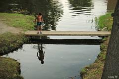Summer reflection (photoschete.blogspot.com) Tags: canon 70d esos sigma espaa spain vila navaluenga rio river alberche nio child verano summer juego play reflejo reflection