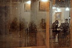 Anime (Daniele Colantonio) Tags: lumix lx7 anime vetrina negozio ristorante ombre specchio riflesso estate frosinone