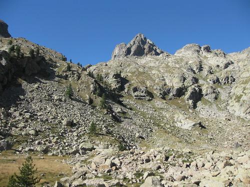 Vue du Lac des Sagnes : Vallon de l'Agnel et Caire Agnel