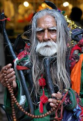 Portrait: Faqir at Hazrat Lal Shahbaz Qalandar (RA), SIndh (Ameer Hamza) Tags: new old pakistan portrait man 50mm wooden beads hands nikon shrine tomb pakistani malang sind mazar ppa colourphotography historicalcity faqir shrinesinpakistan hazratlalshahbazqalandar shrinesinsindh centralsindh muslimsaintsofpakistan jholaylalsarkarmastqalandar