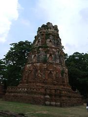 Wat Mahathat (oldandsolo) Tags: thailand buddhism wat siam ayutthaya chedi assemblyhall buddhistshrine watmahathat kingdomofsiam ancientthailand buddhistfaith wihanluang ancientthaicapital thailanayutthaya