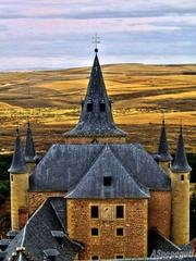 Alcazar de Segovia, Explore May 17, 2012 #452 (ASpepeguti) Tags: españa spain explore segovia castillayleón olympusmju400 aspepeguti photomatixpro42 satorgettymomentos exploremay172012452