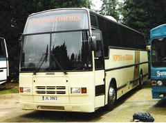 Newtons of Guildford JIL3963 (Invictaway) Tags: coach tiger guildford armchair jil coaches newton paramount leyland newtons 3500 290 plaxton 3963 leylandtiger plaxtonparamount plaxtonparamount3500 paramount3500 newtonsofguildford tiger290 leylandtiger290 jil3963