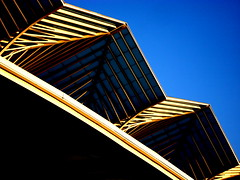 offroad (misone2000) Tags: blue roof sky abstract detail building portugal glass lines yellow metal architecture modern triangle europe contemporary lisboa himmel terminal moderne diagonal architektur abstraction lissabon blau metall glas aesthetic geometrie chelas linien misone2000 lissabonsostbahnhofstehtimuserstennordostenlissabonsamgelndederfrherenexpo1998