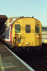 19930213 019 London Bridge Class 413 4-CAP 3203 1512 Cannon Street to Dartford via Bexleyheath. Headcode Should be 71? (15038) Tags: electric londonbridge br trains emu railways britishrail 3203 4cap class413
