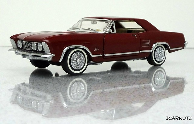 buick riviera 1963 diecast 143scale franklinmint