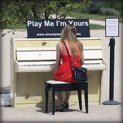 Paris. Play me.... (lalie sorbet) Tags: red people music paris france girl canon rouge femme piano musique jardindesplantes eos60d laliesorbet