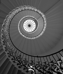 Tulip Stairs: Queen's House (Curry15) Tags: bw london blackwhite greenwich wroughtiron staircase balustrade inigojones se10 thequeenshouse gradeilisted helicalstairs thetulipstairs circa1630