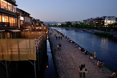 Kamogawa, Kyoto /  (Kaoru Honda) Tags: street city sunset nature japan river landscape japanese evening nikon scenery kyoto traditional   kansai    japon  kamogawa   kinki    d7000