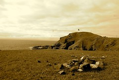 Stoer Cliff (2) (philippe.coppens) Tags: cliff lighthouse scotland highlands stoer stoerlighthouse