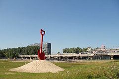 Station Lelylaan - Amsterdam (Netherlands) (Meteorry) Tags: red summer west holland art netherlands station amsterdam train constructionarea europe iamsterdam gare ns object nederland july shovel t paysbas scoop trein 2012 noordholland spade sprinter stadsarchief slotervaart meteorry lelylaan ouest cornelislelylaan overtoomseveld pietercallandlaan coper ringspoorlijn