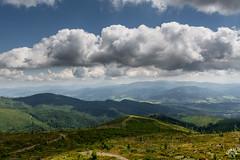 W stronę Beskidu Żywieckiego. Babia w chmurach (czargor) Tags: beskidy beskidslaski mountains mountainside baraniagora sightseeing