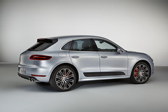 Porsche Macan Turbo с Performance Package