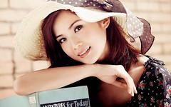 stylish sunhat (beddinginnreviews) Tags: beddinginnreviews fashion reviewsbeddinginn woman style beautiful comfortable