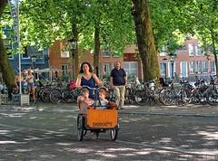 Utrecht, Mama Babboe Fiets (Nik Morris (van Leiden)) Tags: bike bicycle fiets fietsen utrecht mamafiets cargobike babboe olympusstylus1