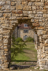 Bayham Abbey 8 (mini-b) Tags: bayhamabbey ruins englishheritage 13th15thcentury frant eastsussex canon eos5dmkii ef28300mm3556lisusm 2016