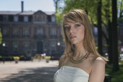 Marjorie (www.darnoc.fr) Tags: bleu rouge jaune pourpre canon eos6d eos 6d lightroom photoshop ef24105mmf4lisusm 24105mm 24105 femme modele studio pose portrait mode jeans noir