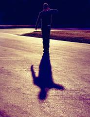 Walking Shadow (C_MC_FL) Tags: vienna wien street light shadow sunlight man silhouette canon vintage handy person photography eos austria licht sterreich fotografie phone walk fav20 retro mobilephone mann tamron schatten gehen telefonieren softtones mobiltelefon umris sonnenlicht fav10 shadowcast kontur strase 18270 schlagschatten 60d b008